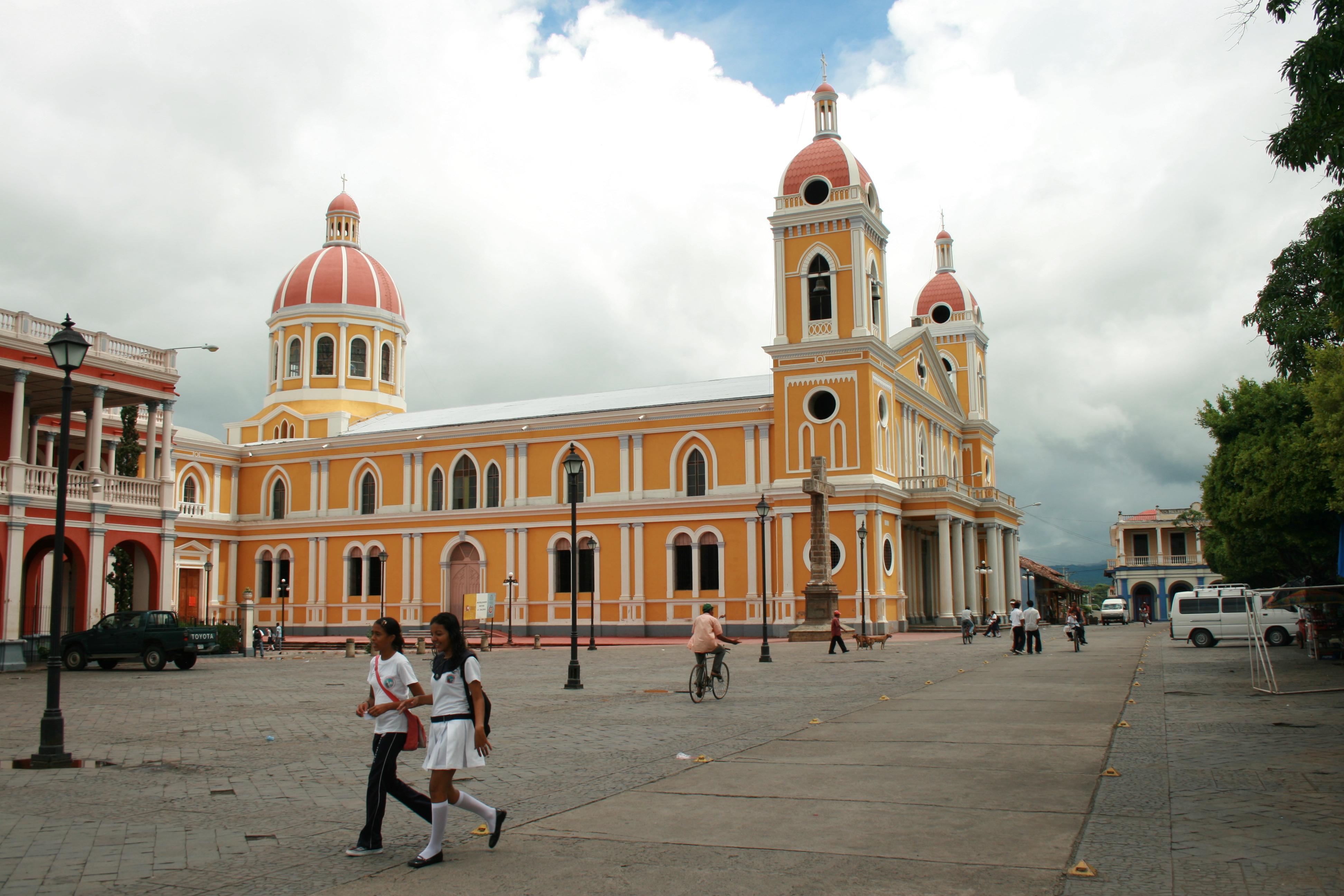 Catedral_de_Granada,_Nicaragua_2
